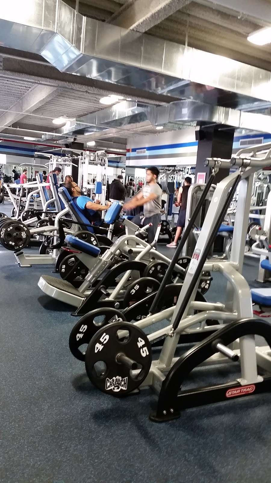Crunch Fitness Richmond Hill 115 02 Jamaica Ave Richmond Hill Ny 11418 Usa