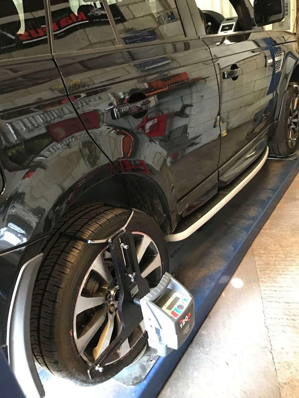 Tubbys Tyres - car repair  | Photo 1 of 10 | Address: Copthorne Rd, Copthorne, Crawley RH10 3PD, UK | Phone: 01293 769776