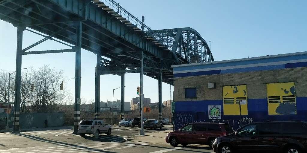 Citgo - gas station  | Photo 3 of 9 | Address: 1441 Westchester Ave, Bronx, NY 10472, USA | Phone: (718) 991-9104