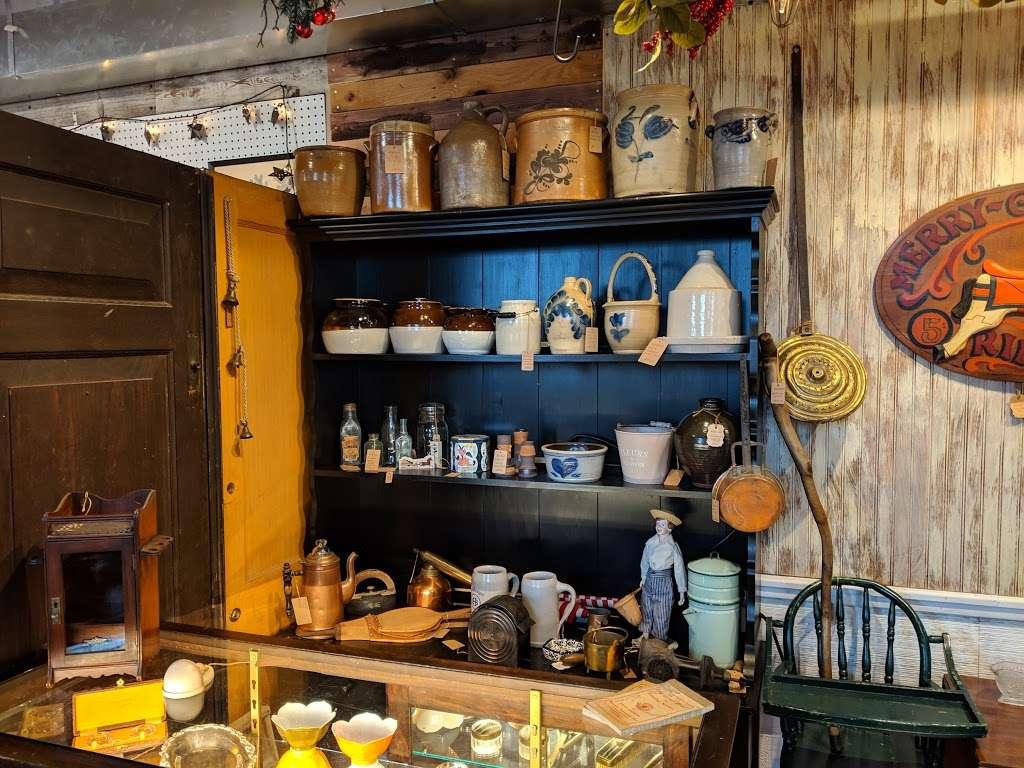Crickets Antiques & Garden Market - home goods store  | Photo 7 of 10 | Address: 1641 Horseshoe Pike, Glenmoore, PA 19343, USA | Phone: (610) 942-7500
