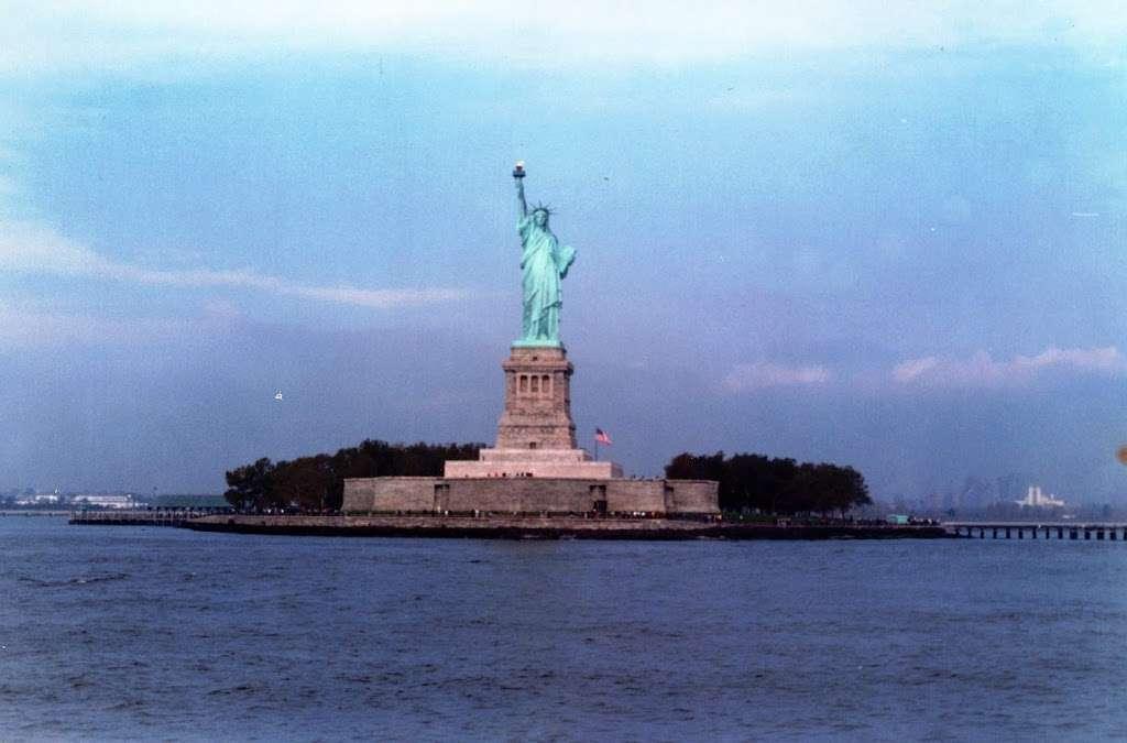 New York Estatua De La Llibertat Corona - museum  | Photo 5 of 10 | Address: Isla de la Libertad, New York, NY 10004, USA