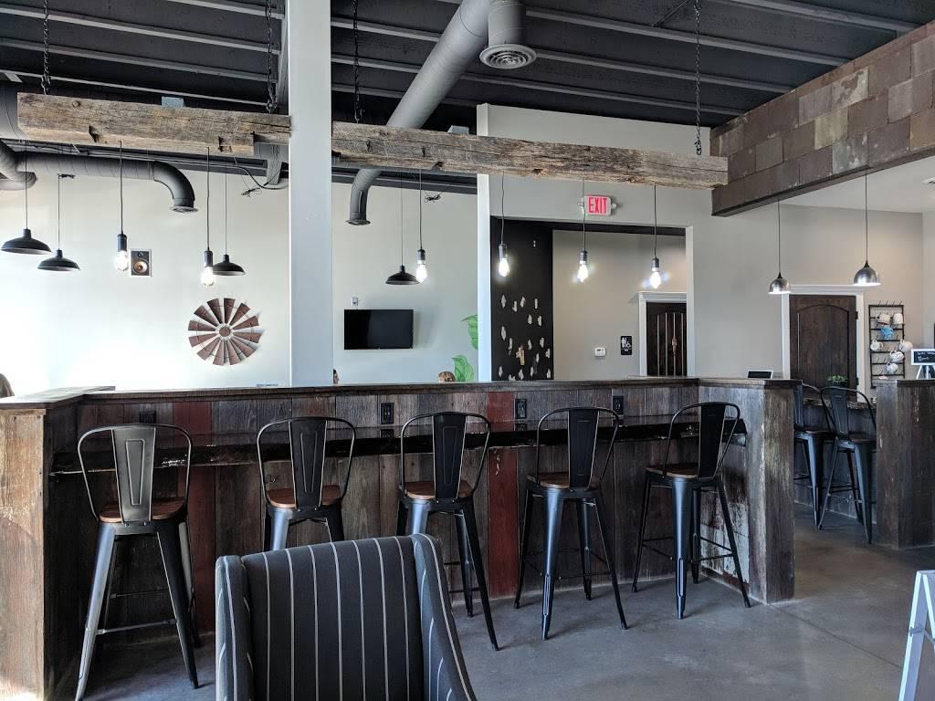 Mocha Lounge North - cafe  | Photo 2 of 9 | Address: 4635 E Dupont Rd, Fort Wayne, IN 46825, USA | Phone: (260) 449-9267