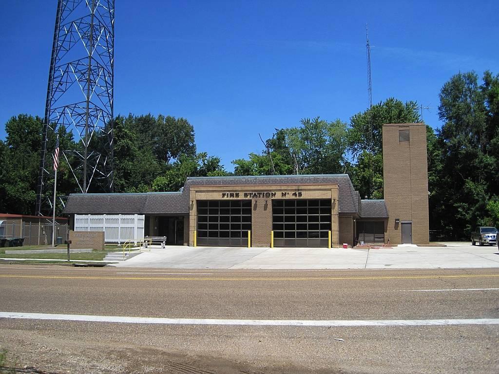 Memphis Fire Station #45 - fire station  | Photo 2 of 5 | Address: 5185 S 3rd St, Memphis, TN 38109, USA | Phone: (901) 785-5150