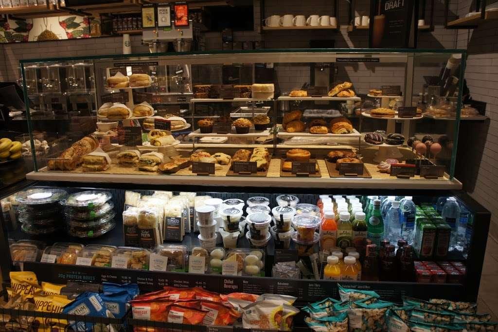Starbucks - cafe  | Photo 7 of 10 | Address: 26-14 Jackson Ave, Long Island City, NY 11101, USA | Phone: (347) 533-2101