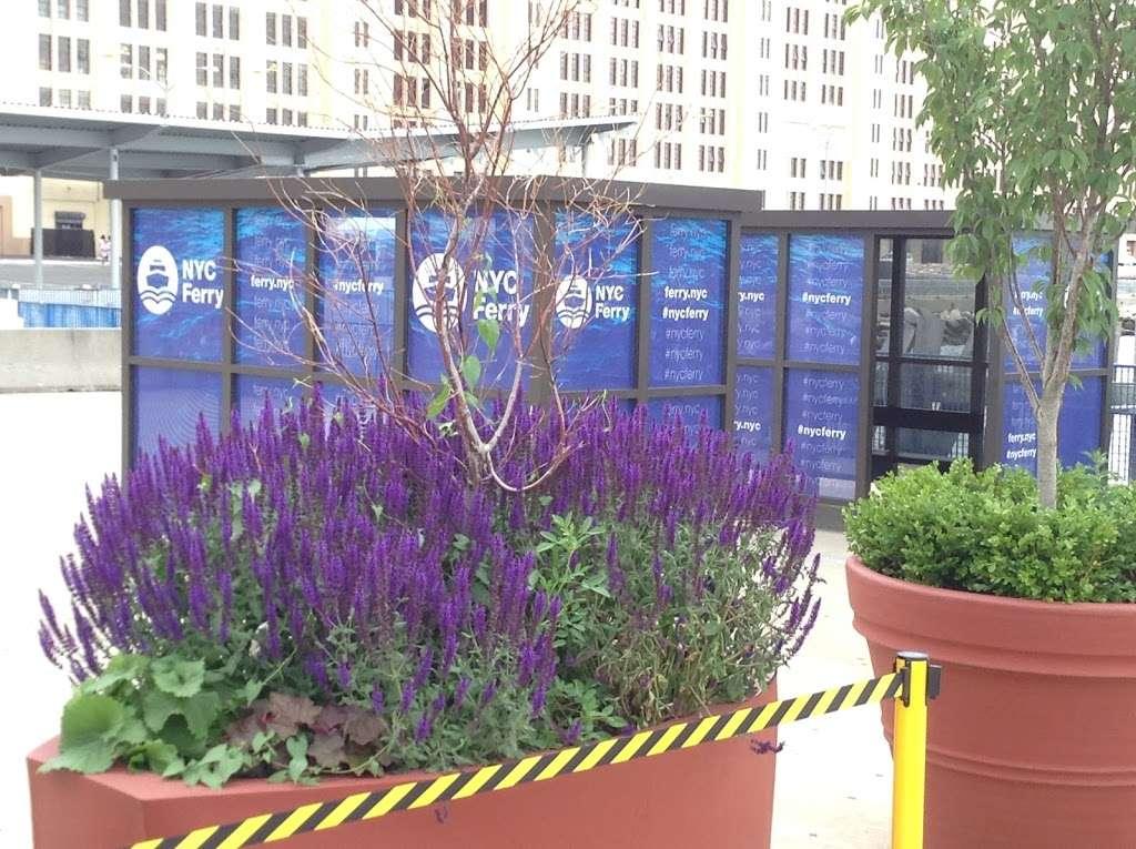 Sunset Park/Brooklyn Army Terminal - transit station  | Photo 7 of 10 | Address: Brooklyn, NY 11220, USA