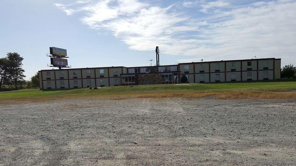 Sun Motel - lodging  | Photo 10 of 10 | Address: 140 S Hickory St, Braidwood, IL 60408, USA | Phone: (815) 458-2812