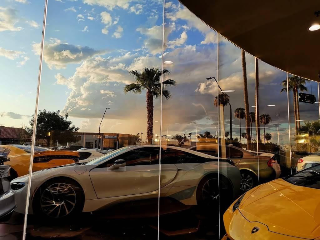 Riding in Style - car dealer    Photo 5 of 10   Address: 811 N Scottsdale Rd, Scottsdale, AZ 85257, USA   Phone: (480) 656-1604
