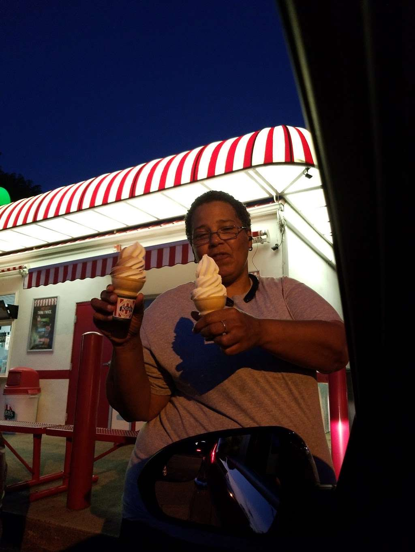 Ritas Italian Ice - store    Photo 6 of 10   Address: 50 River Rd, North Arlington, NJ 07031, USA   Phone: (201) 428-1356