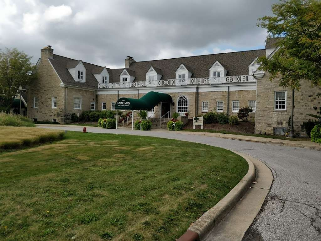 The Fort Golf Resort - lodging  | Photo 1 of 10 | Address: 6002 N Post Rd, Indianapolis, IN 46216, USA | Phone: (317) 543-9597
