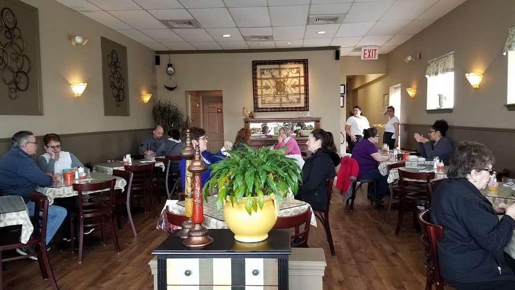 Breakfast Table - restaurant  | Photo 1 of 10 | Address: 1315 Tatamy Rd, Easton, PA 18045, USA | Phone: (610) 252-8783