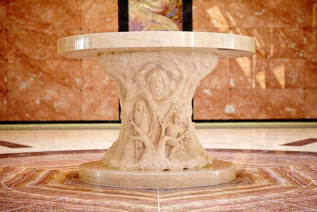 Holy Cross Cemetery & Mausoleum - cemetery  | Photo 7 of 10 | Address: 340 Ridge Rd, North Arlington, NJ 07031, USA | Phone: (201) 997-1900