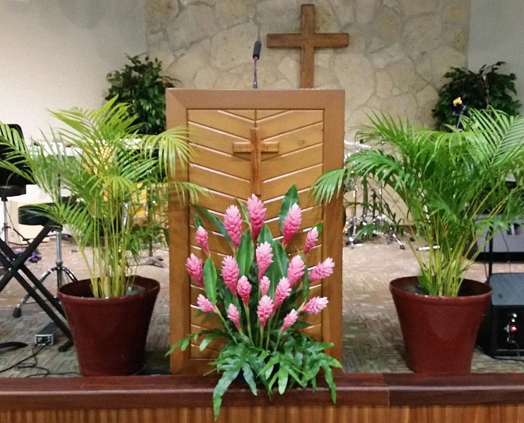 Calvary Chapel Kaneohe - church  | Photo 1 of 9 | Address: 47-525 Kamehameha Hwy, Kaneohe, HI 96744, USA | Phone: (808) 262-8800