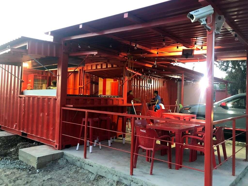 Ta'Karbon Taquería Otay - restaurant    Photo 3 of 10   Address: Avenida, Instituto Politécnico Nacional, Campos Deportivos, Garita de Otay, 22430 Tijuana, B.C., Mexico   Phone: 664 378 1281