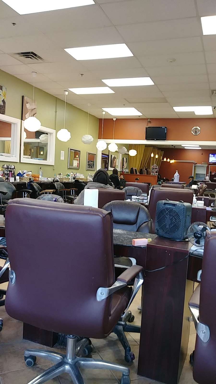 Happy Nails Brows & Lashes Bar - hair care  | Photo 1 of 10 | Address: 1627 E 95th St, Chicago, IL 60617, USA | Phone: (773) 221-3056
