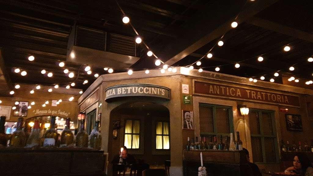 Betuccinis Las Americas - restaurant  | Photo 3 of 10 | Address: int 12, Av. de Las Americas Ote. 5310, Lomas de Agua Caliente, 22024 Tijuana, B.C., Mexico | Phone: 664 976 6045