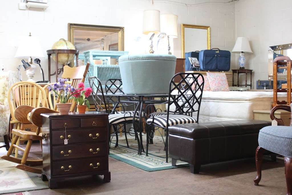 Harry's Fine Used Furniture & Accessories - furniture store  | Photo 1 of 10 | Address: 1910, 11 Graybill Rd, Leola, PA 17540, USA | Phone: (717) 656-2436