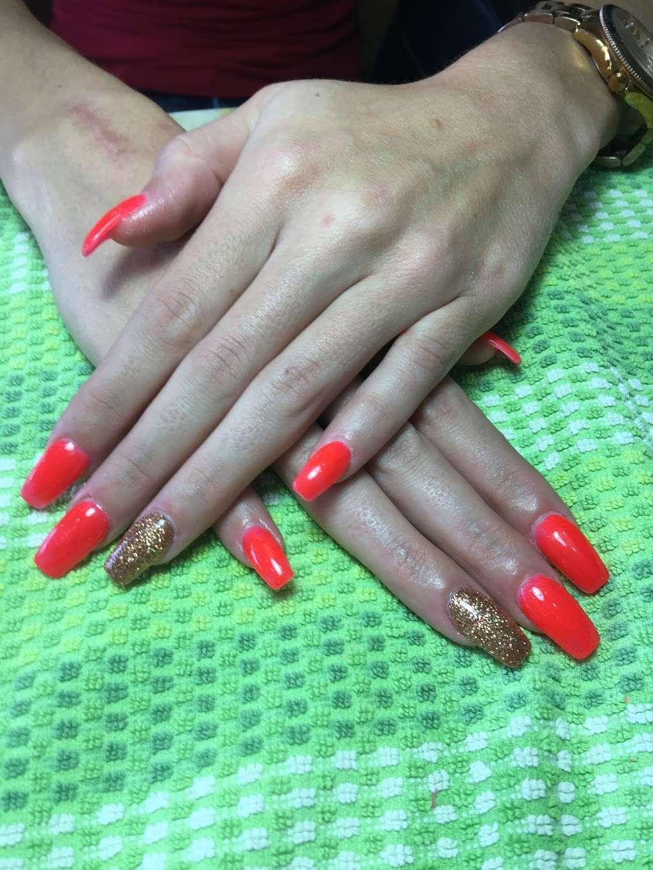 Golden Nails & Spa - spa  | Photo 9 of 10 | Address: 8245 Mills Rd, Houston, TX 77064, USA | Phone: (832) 688-5884