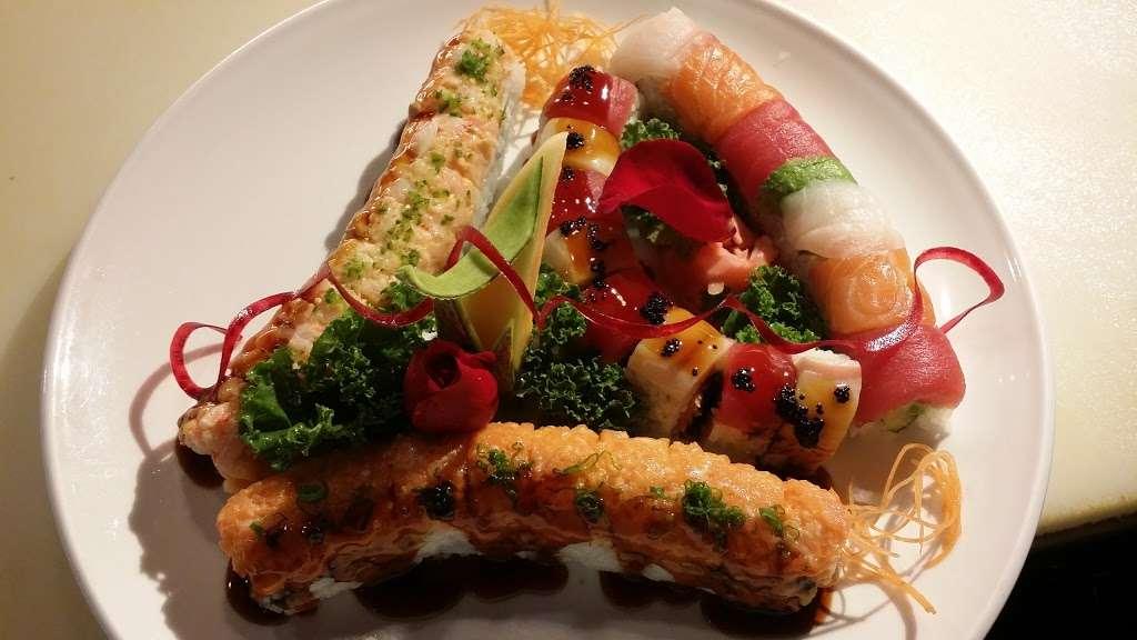 Sakamoto Japanese Grill and Sushi - restaurant  | Photo 4 of 10 | Address: 2984 US-34, Oswego, IL 60543, USA | Phone: (630) 554-2388