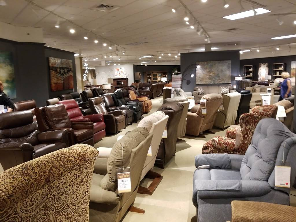 Star Furniture - furniture store  | Photo 3 of 9 | Address: 14051 N Interstate Hwy 35 North, Pflugerville, TX 78660, USA | Phone: (512) 346-9400