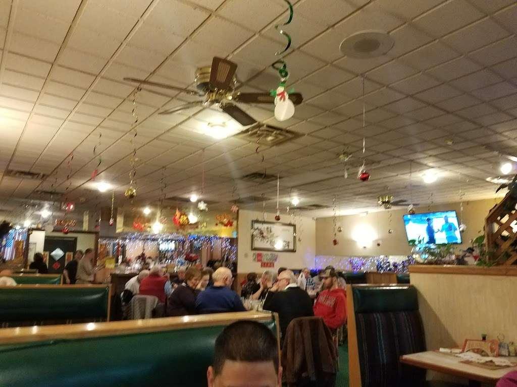 Silver Lake Chinese Restaurant - restaurant  | Photo 2 of 10 | Address: 1236 W Lake St, Roselle, IL 60172, USA | Phone: (630) 529-2828