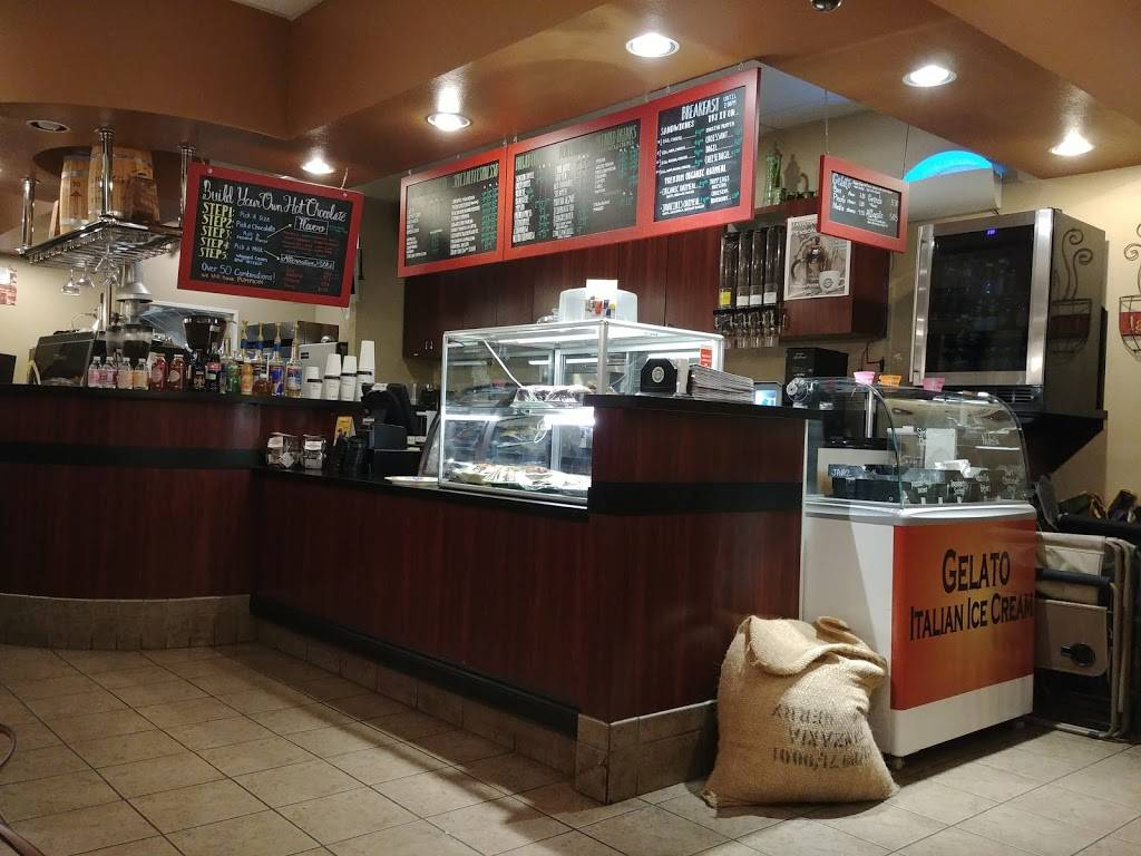 Javatinis Espresso & Gelato - cafe  | Photo 4 of 9 | Address: 148 Main St, Seal Beach, CA 90740, USA | Phone: (562) 626-8202