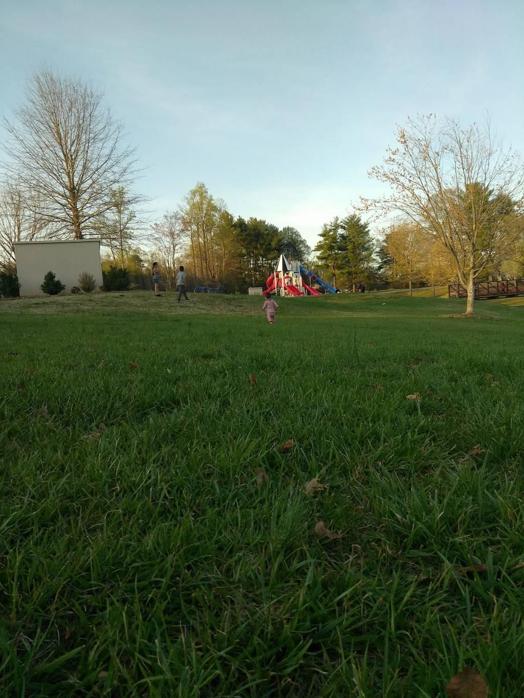 Oak Summit Park - park  | Photo 4 of 10 | Address: 370 Oak Summit Rd, Winston-Salem, NC 27105, USA | Phone: (336) 727-8000