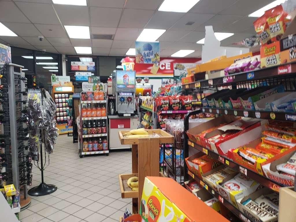 Fastrip - convenience store  | Photo 2 of 10 | Address: 2350 CA-58 BUS, Mojave, CA 93501, USA | Phone: (661) 824-9257
