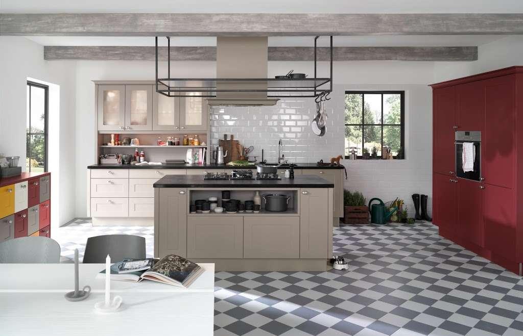 C & C Kitchens Ltd - home goods store  | Photo 4 of 10 | Address: 24 Fairways, Cheshunt, Waltham Cross EN8 0NL, UK | Phone: 01992 666150