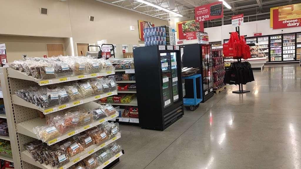 Gordon Food Service Store | 2025 87th St, Darien, IL 60561, USA