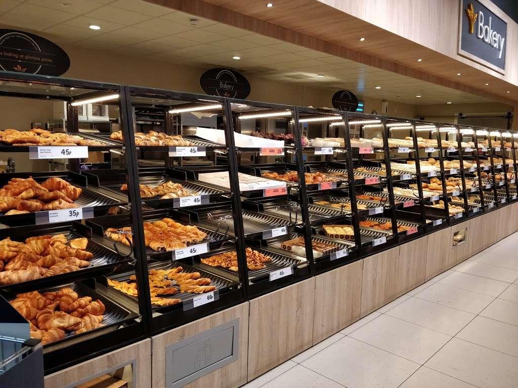 Lidl Wimbledon - supermarket  | Photo 1 of 10 | Address: Unit 1, Plough Ln, London SW17 0BW, UK | Phone: 0800 977 7766