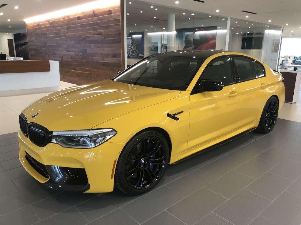 BMW of San Antonio - car dealer  | Photo 4 of 10 | Address: 15507 I-10, San Antonio, TX 78249, USA | Phone: (210) 732-7121