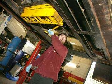 PTA Garage Services Godstone Motorstore - car wash  | Photo 3 of 10 | Address: Unit 2 Garage, Eastbourne Rd, South Godstone RH9 8EZ, UK | Phone: 01342 893666