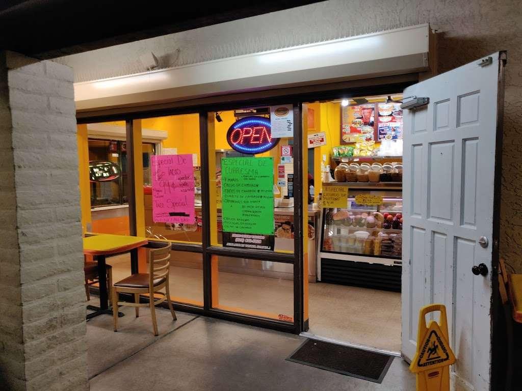 Salsitas Mexican Food - restaurant  | Photo 4 of 10 | Address: 10328 W Indian School Rd, Phoenix, AZ 85037, USA | Phone: (623) 872-5328