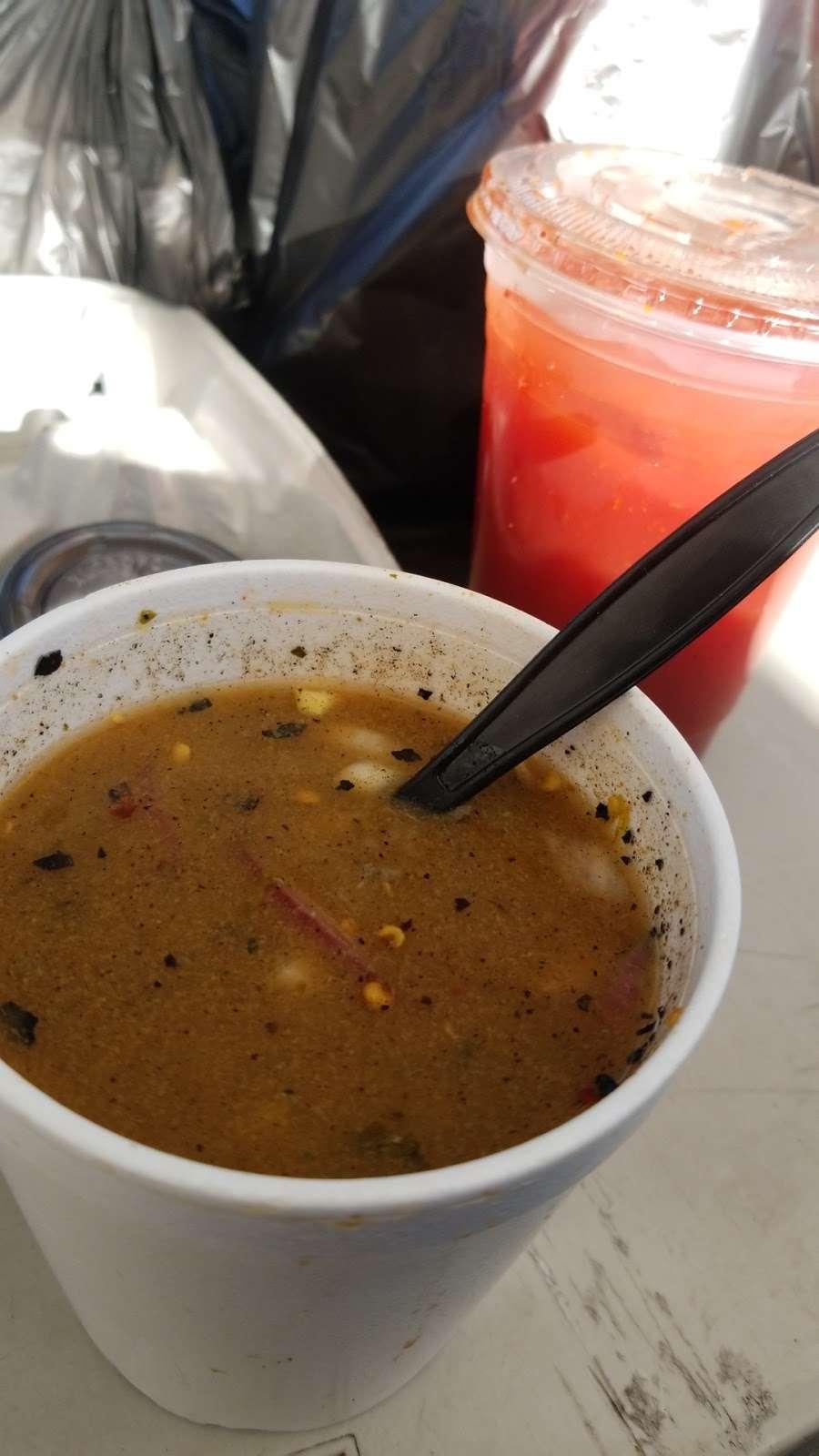 Mariscos Tocho - restaurant  | Photo 1 of 10 | Address: 11299 Alameda St, Los Angeles, CA 90059, USA | Phone: (562) 415-7519