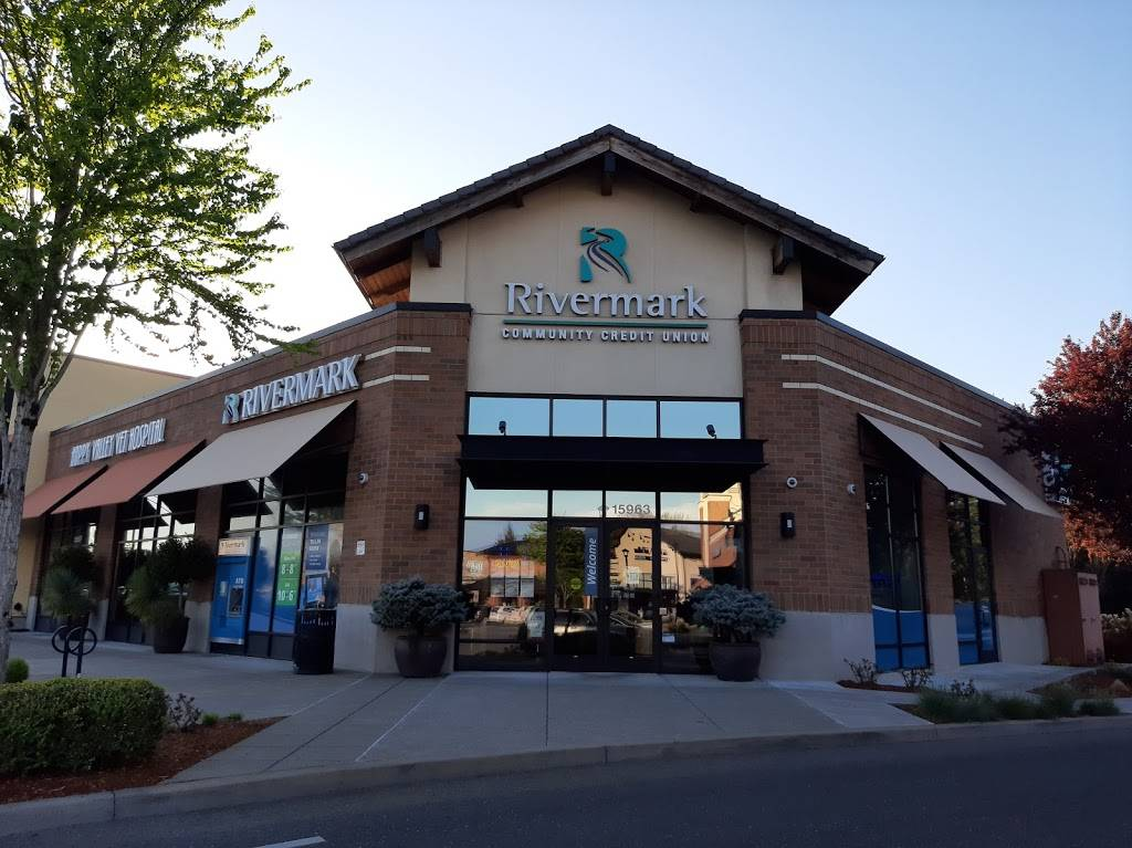 Rivermark Community Credit Union - atm  | Photo 1 of 5 | Address: 15963 SE Happy Valley Town Center Dr, Happy Valley, OR 97086, USA | Phone: (800) 452-8502