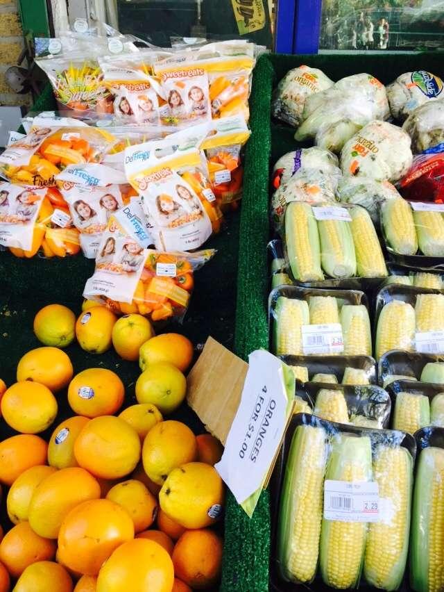 Raskins Fruit & Produce - store    Photo 4 of 10   Address: 335 Kingston Ave, Brooklyn, NY 11213, USA   Phone: (718) 756-3888