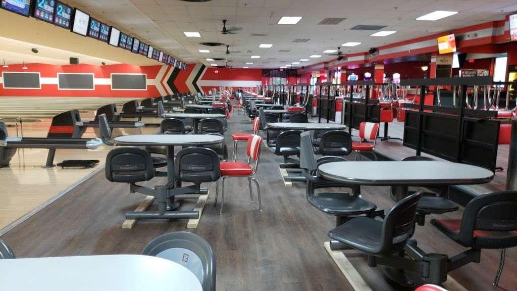 Brunswick Zone River Grove Lanes - bowling alley  | Photo 1 of 10 | Address: 3111 River Rd, River Grove, IL 60171, USA | Phone: (708) 456-4100