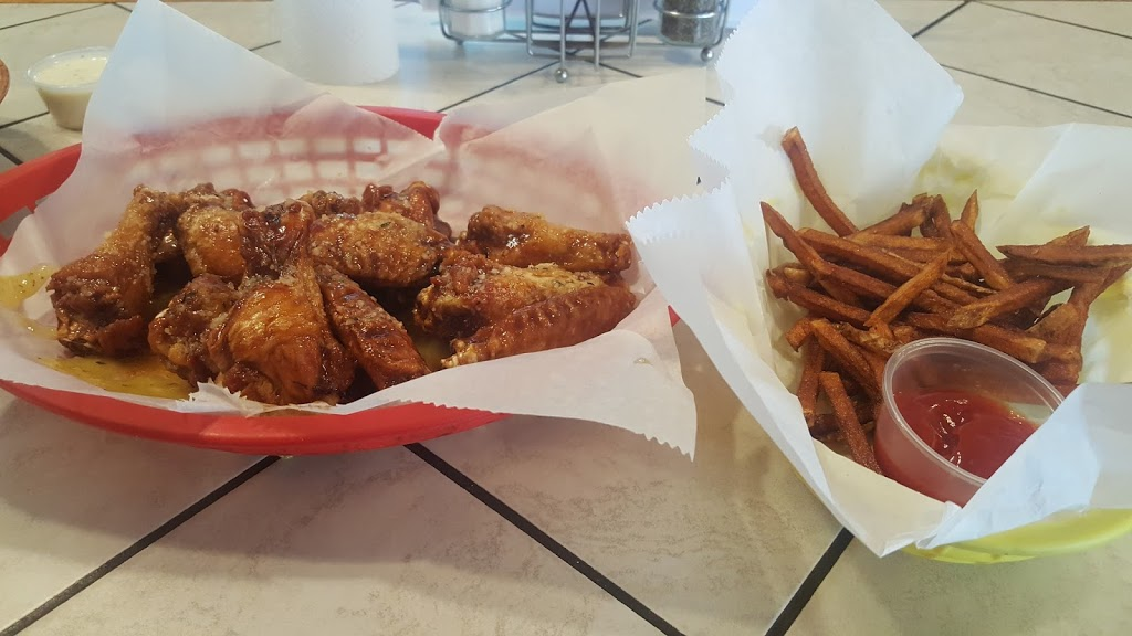Wing Kings - restaurant  | Photo 2 of 9 | Address: 20325 Rte 19, Cranberry Twp, PA 16066, USA | Phone: (724) 778-8100