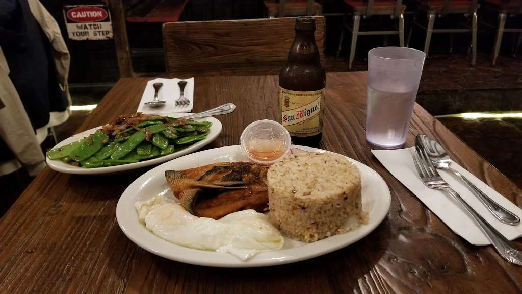 Mama Fina's NYC House of Filipino Sisig - restaurant  | Photo 7 of 10 | Address: 167 Avenue A, New York, NY 10009, USA | Phone: (917) 262-0893