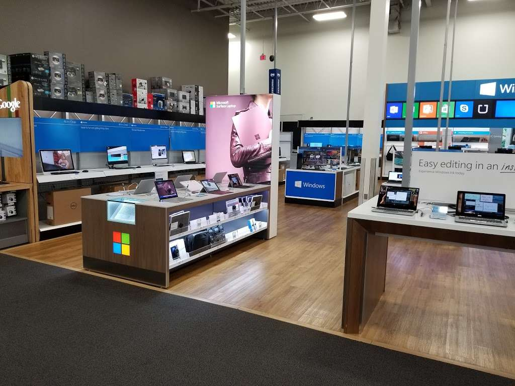 Best Buy - electronics store  | Photo 6 of 10 | Address: 925 Paterson Plank Rd, Secaucus, NJ 07094, USA | Phone: (201) 325-2277