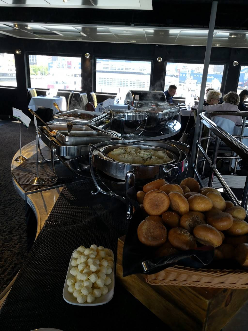 Spirit of New York by Hornblower Cruises & Events - restaurant  | Photo 4 of 10 | Address: 61 Chelsea Piers, New York, NY 10011, USA | Phone: (212) 727-2789