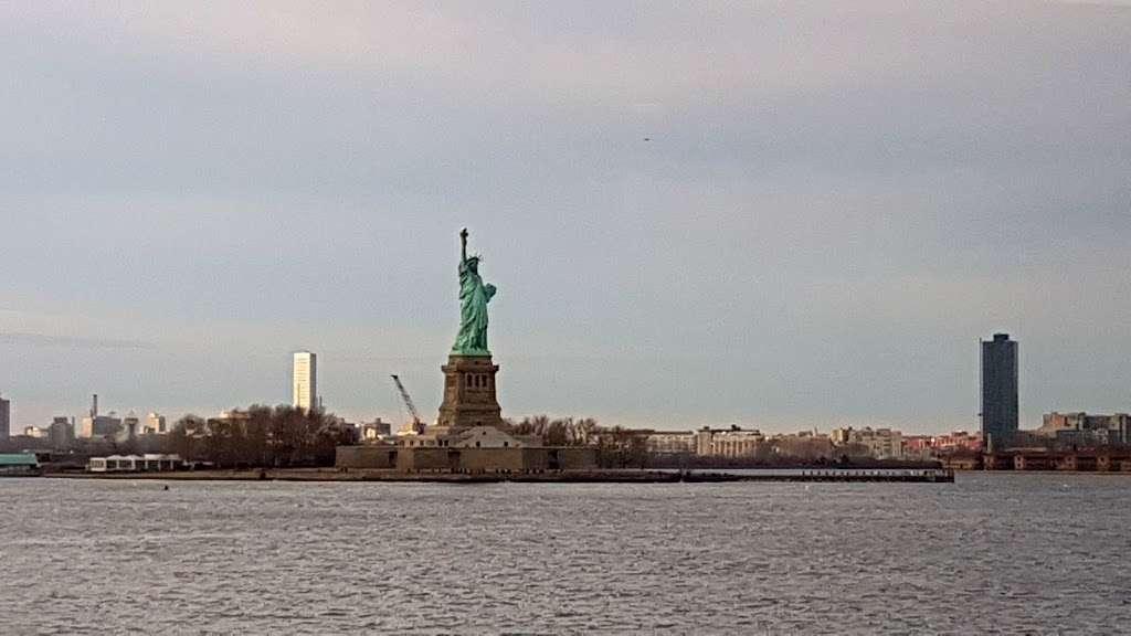New York Estatua De La Llibertat Corona - museum  | Photo 8 of 10 | Address: Isla de la Libertad, New York, NY 10004, USA