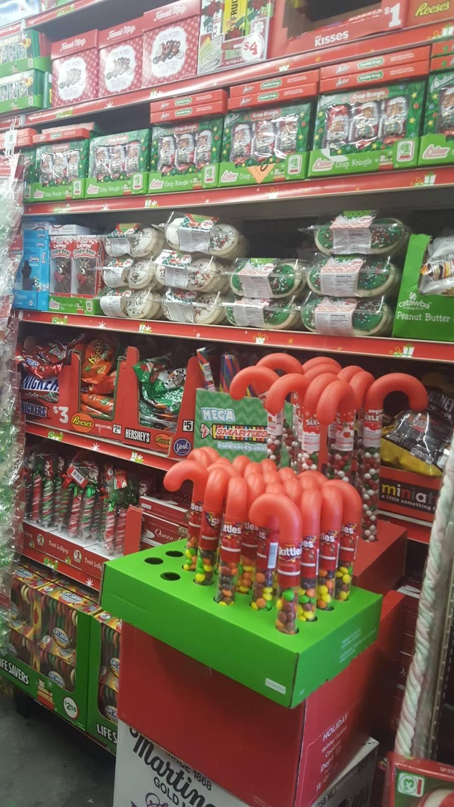 Family Dollar - supermarket  | Photo 7 of 7 | Address: 3333 Palm Ave, Hialeah, FL 33012, USA | Phone: (786) 988-6189