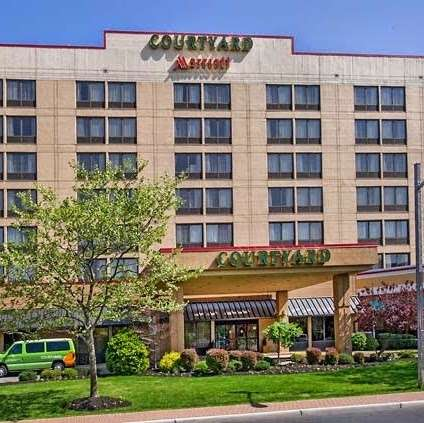 Courtyard by Marriott Secaucus Meadowlands - lodging  | Photo 7 of 10 | Address: 455 Harmon Meadow Blvd, Secaucus, NJ 07094, USA | Phone: (201) 617-8888