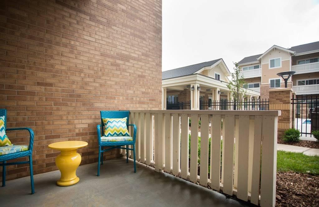 SunSTONE Apartment Homes at Fox Ridge - real estate agency    Photo 7 of 10   Address: 3540 N Maize Rd, Wichita, KS 67205, USA   Phone: (316) 558-5200