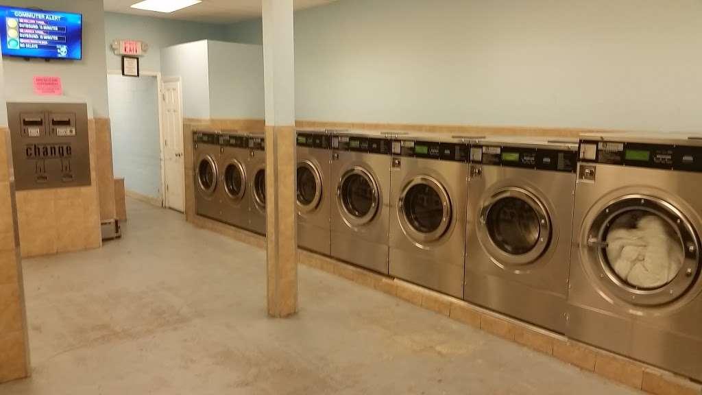 Senor Bubbles Laundromat & Dry Cleaner - laundry  | Photo 9 of 10 | Address: 456 Baldwin Ave, Jersey City, NJ 07306, USA | Phone: (201) 656-3471