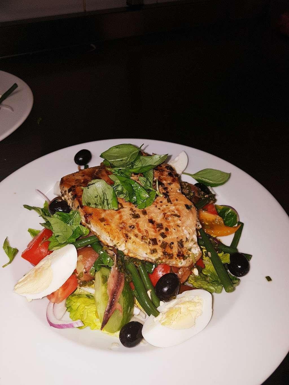 Riva Waterside Bar & Restaurant - restaurant  | Photo 5 of 10 | Address: Town Pier, West Street, Gravesend DA11 0BJ, UK | Phone: 01474 364694