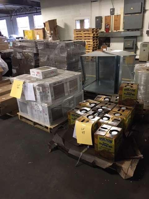 Oddball Salvage - store  | Photo 3 of 10 | Address: 655 Sunshine Rd, Kansas City, KS 66115, USA | Phone: (913) 258-8282