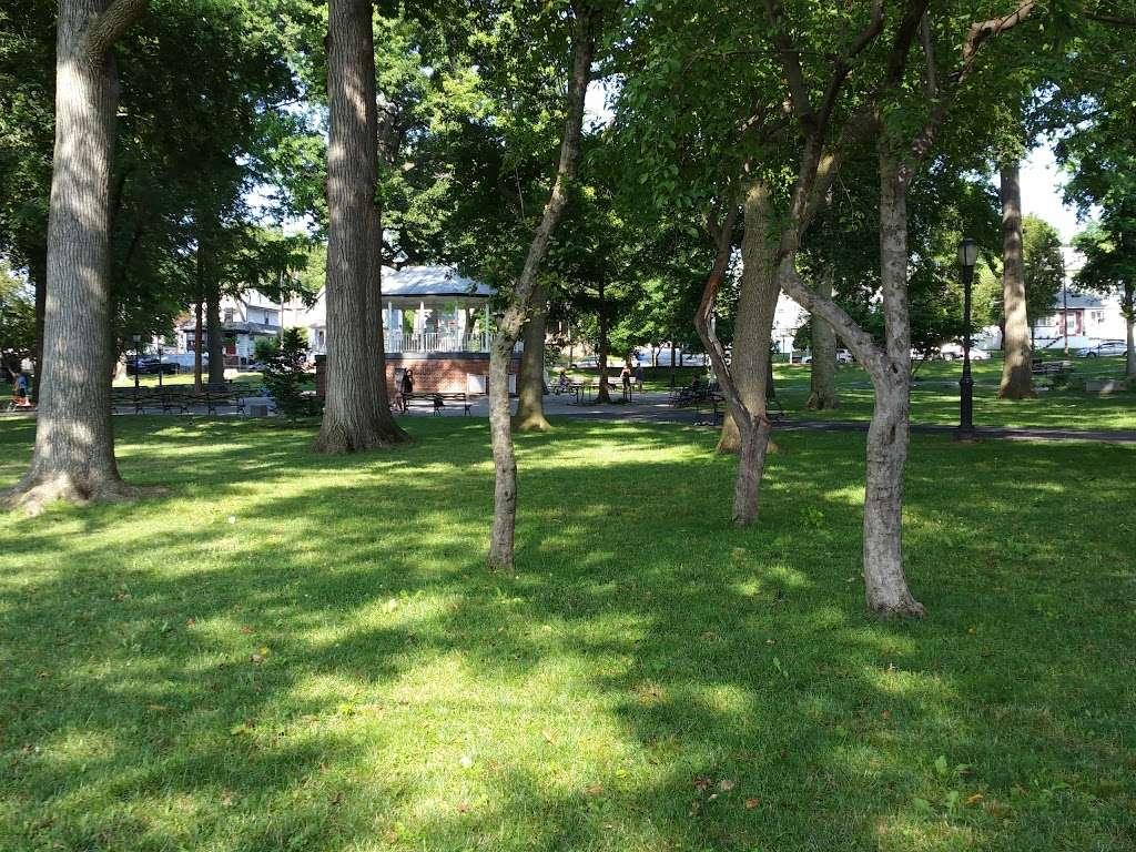 Westerleigh Park - park  | Photo 2 of 10 | Address: Willard Ave. &, Woodbridge Pl, Staten Island, NY 10314, USA