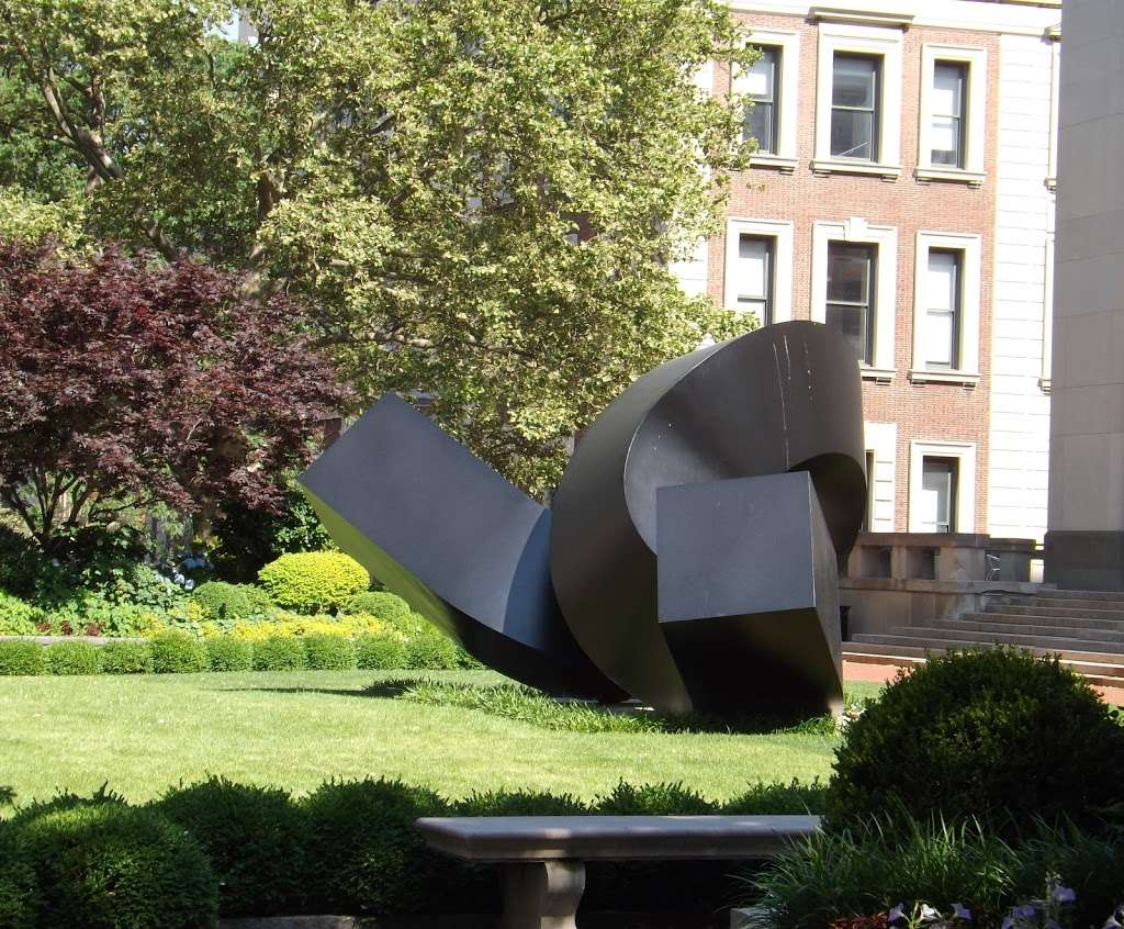 Clement Meadmore - The Curl - park  | Photo 6 of 8 | Address: 3022 Broadway, New York, NY 10027, USA